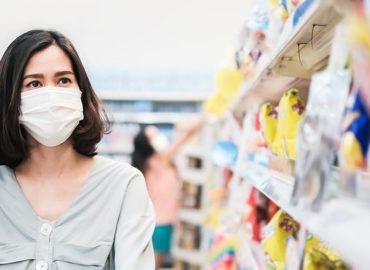 Abalado pela pandemia, consumo dos brasileiros deve ter retração de 5,4% neste ano
